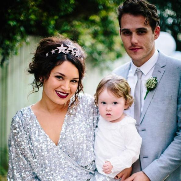 vintage bridal hair, vintage bridal makeup, brisbane mobile makeup artist, bridal makeup artist brisbane, maleny weddings, brisbane bride, brisbane weddings, makeup artist, wedding makeup, red lips, family wedding