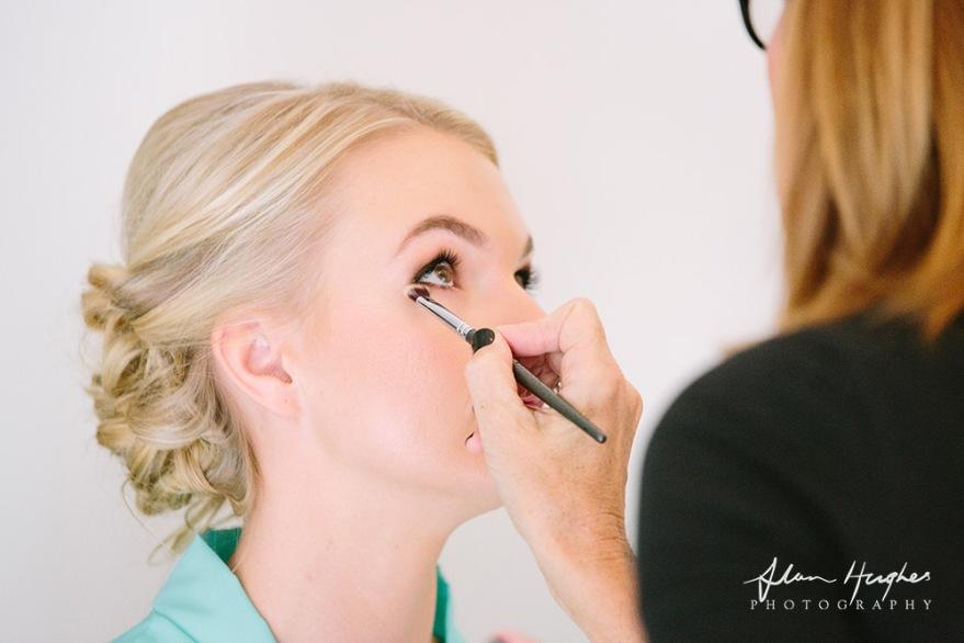 bridal makeup artist, makeup artist, brisbane makeup artist, makeup artist brisbane, wedding makeup artist, sue mclaurin makeup artist
