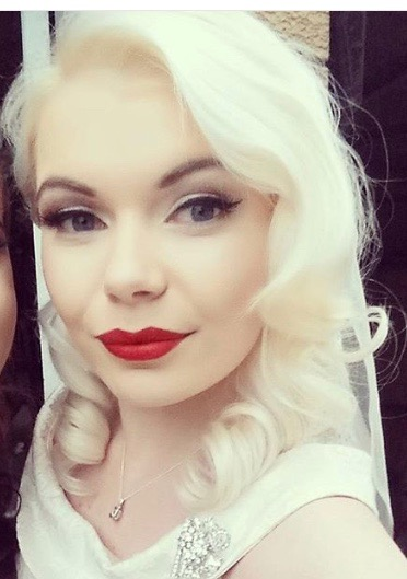 bride, red lip, sue mclaurin makeup, bridal makeup artist, brisbane makeup artist